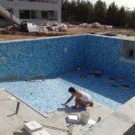 укладка покрытия бассейна