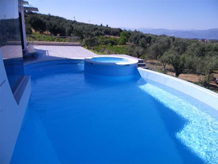 ta-открытый бассейн с изгибом