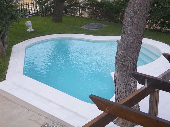 бассейн полукруглый с ступенями