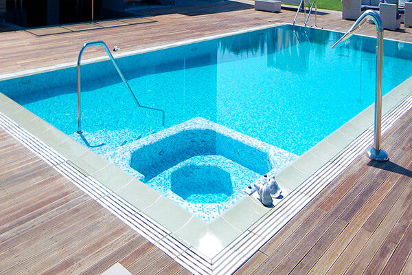 бассейн CUBA с зоной гидромассажа